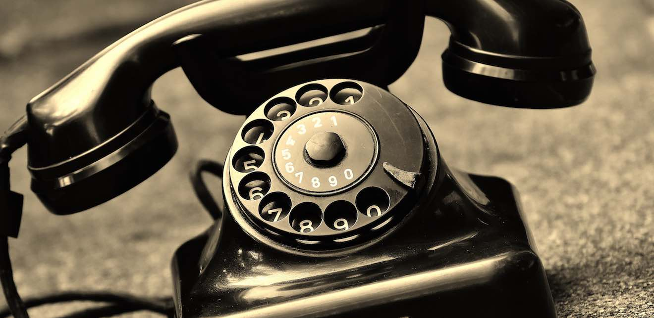 teléfono vintage analógico negro vintaged