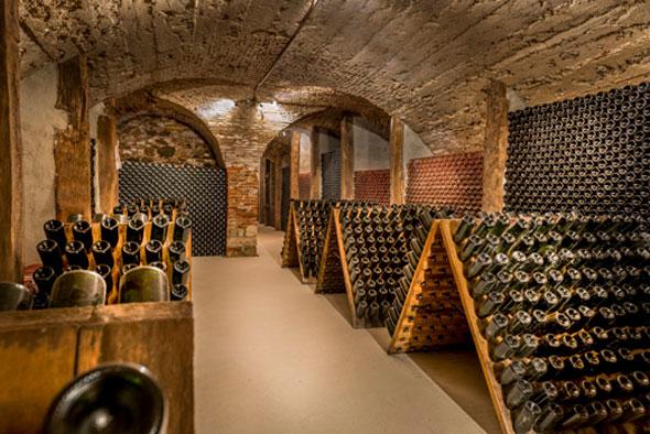 cantina de vino vintag