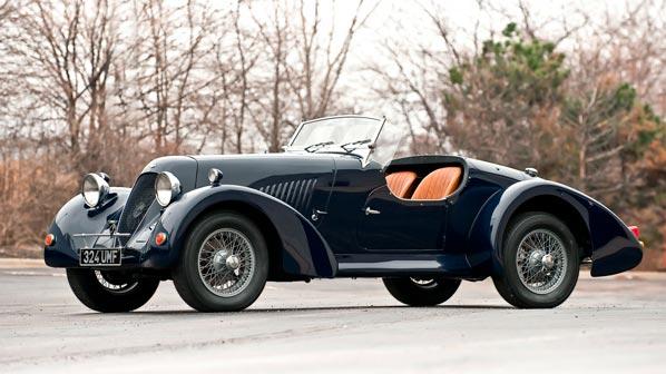 Aston Martin roadster cabriolet vintaje